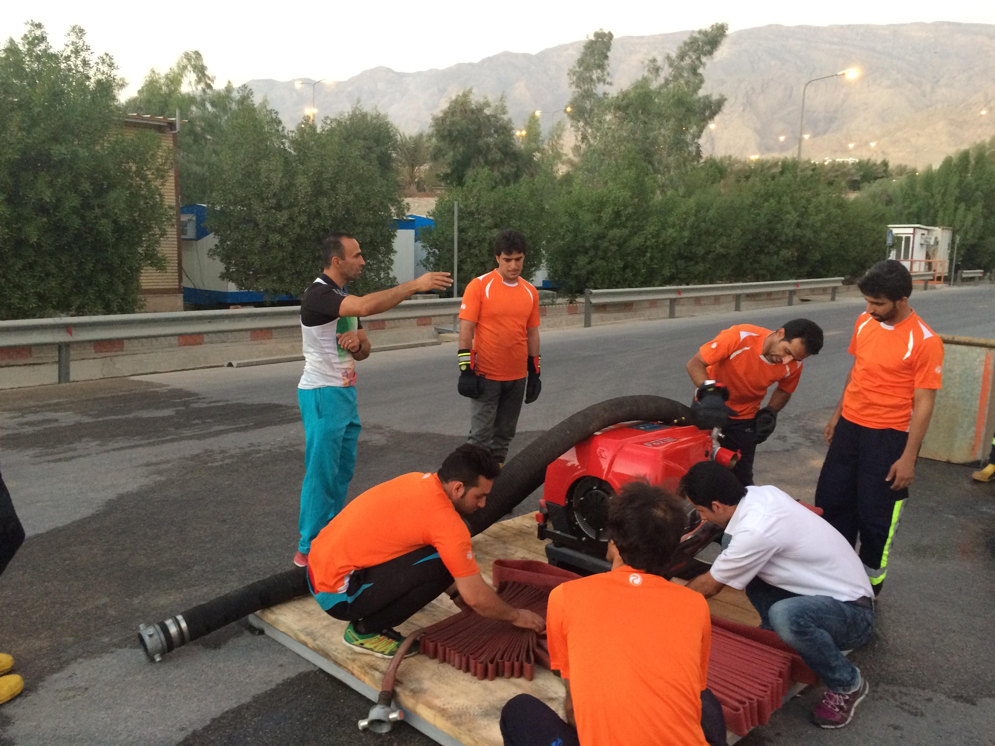 تمرین آبرسانی تیم المپیاد عملیاتی ورزشی آتشنشانی پالایشگاه چهارم گاز پارس جنوبی