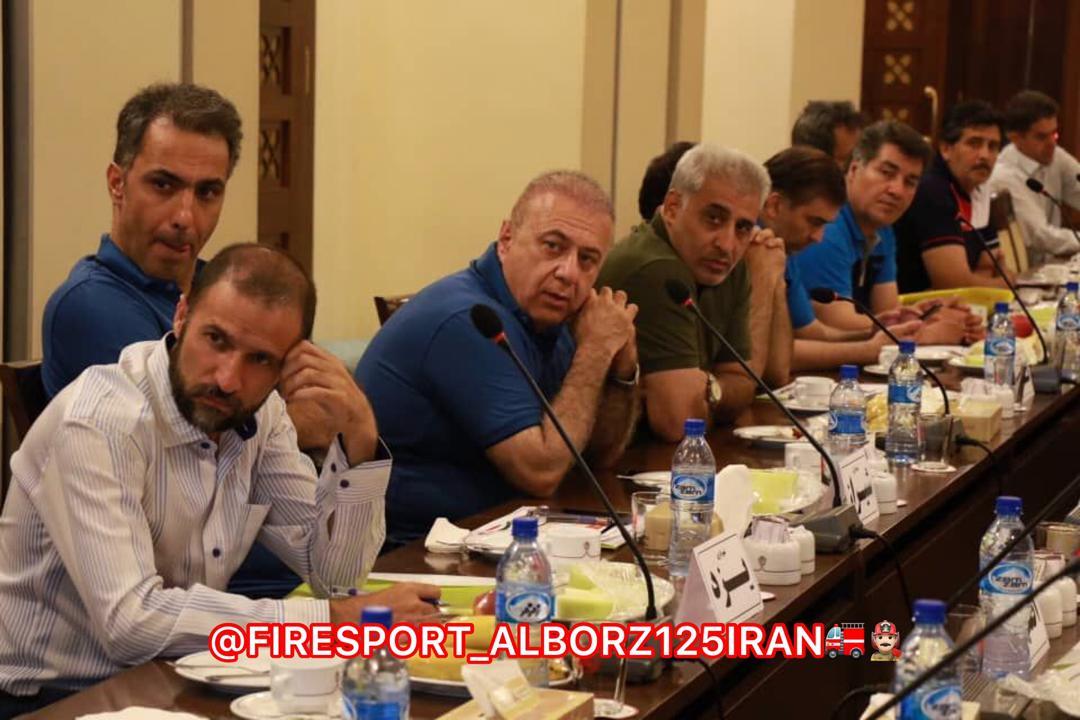 آغاز رقابتهای فوتسال پیشکسوتان کلانشهرهای شهرداریهای کشور در یزد